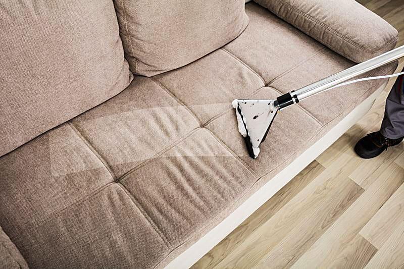 Lavaggio divani e poltrone a Milano